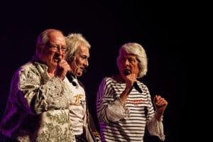 Chanteurs lors du Festival des Filets Bleus